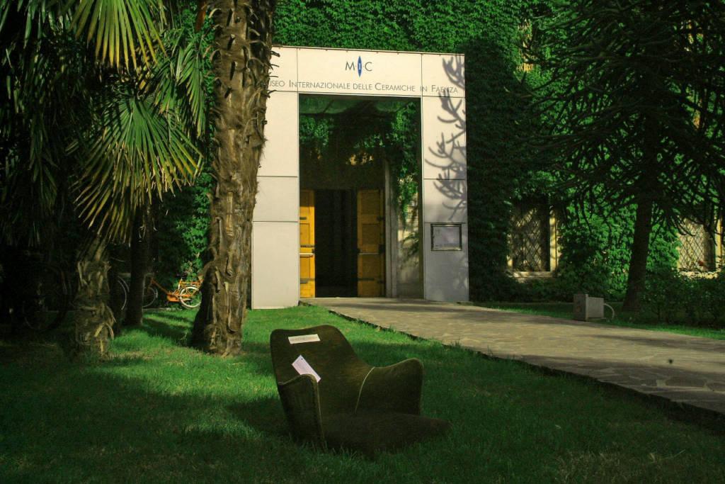 museo internazionale delle ceramiche alloggiare
